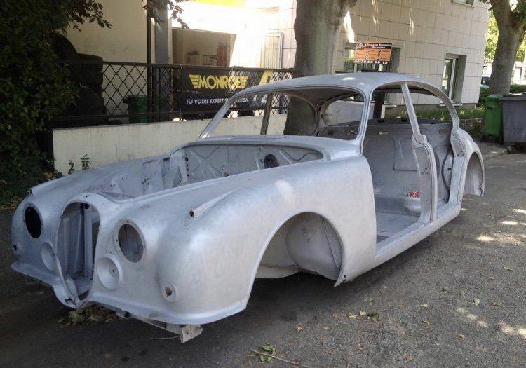 Restauration carrosserie d'une Jaguar MK2