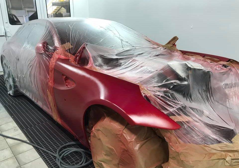 Restauration carrosserie d'une Ferrari FF